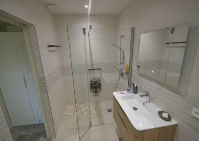 Création d'un espace de salle de douche PMR